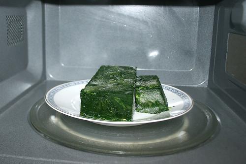 26 - Blattspinat auftauen / Defrost leaf spinach