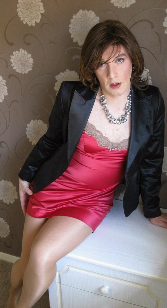 Already far pictures of beautiful transvestites congratulate