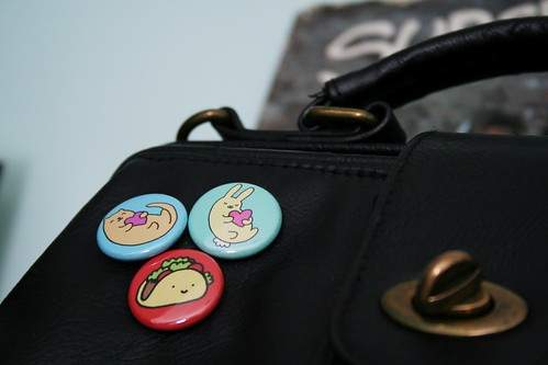 Midge's pic of my buttons set on her purse.