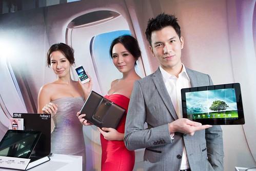 PadFone 2電池續航力是機王效能的極致呈現。3G通話時間長達16小時;網路瀏覽時間13小時;影片觀賞時間9小時,3G待機時間長達2週