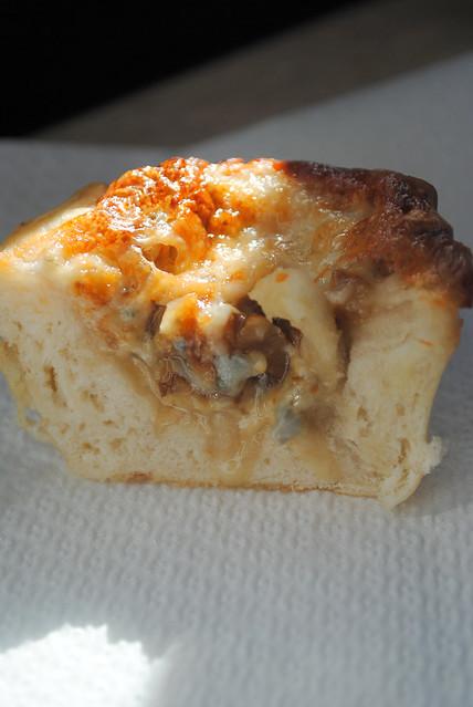 cestini di pane con gorgonzola e noci 006