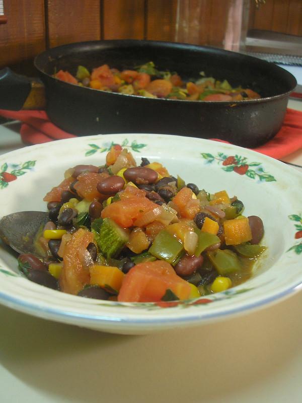 Chili sin carne hecho en sartén