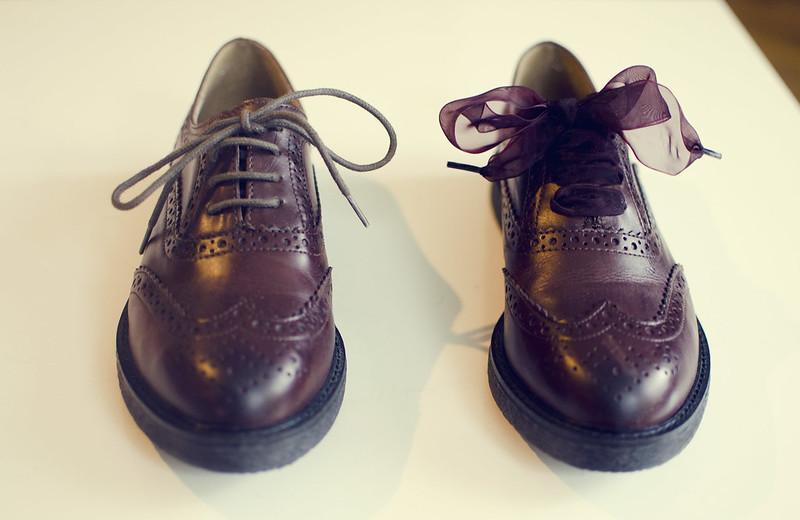 Nya skor med stora snören