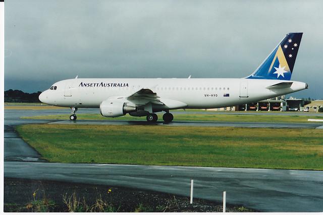 A320-200  VH-HYO