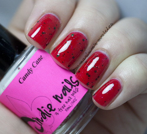 Jindie Nails Kiss Me Under the Mistletoe (4)