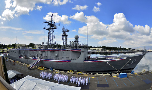 PEARL HARBOR - Sailors stand in formation in front of the guided-missile frigate USS Crommelin (FFG 37) during a decommissioning ceremony.