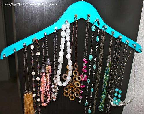 DIY Hanger Necklace Rack Tutorial