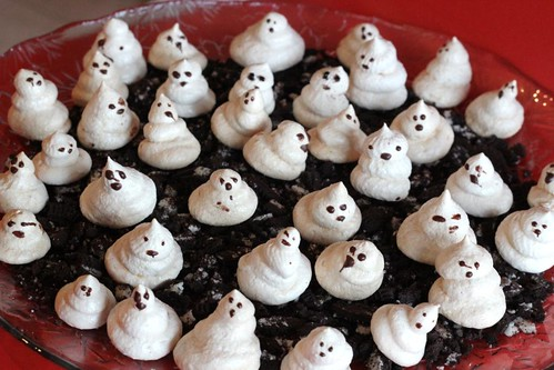 gluten-free meringue ghosts