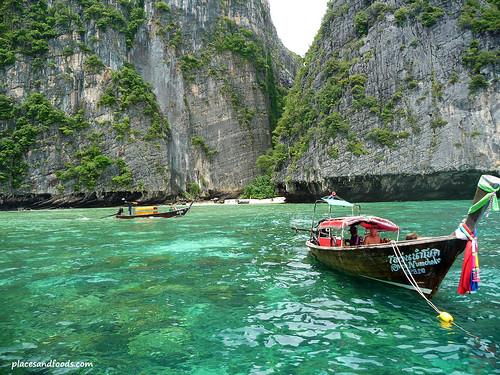 phi ley bay boat