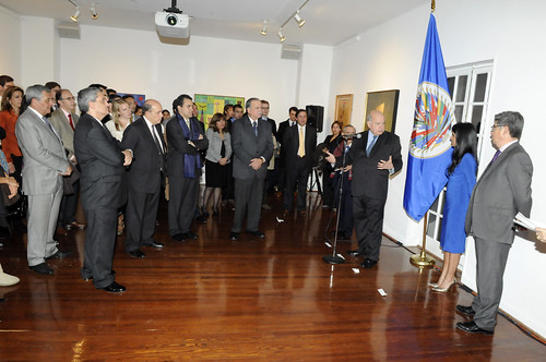 Secretary General Insulza Opens Photo Exhibition Celebrating 50 Years of OAS Electoral Observation