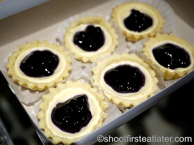 blueberry cheesecake tarts