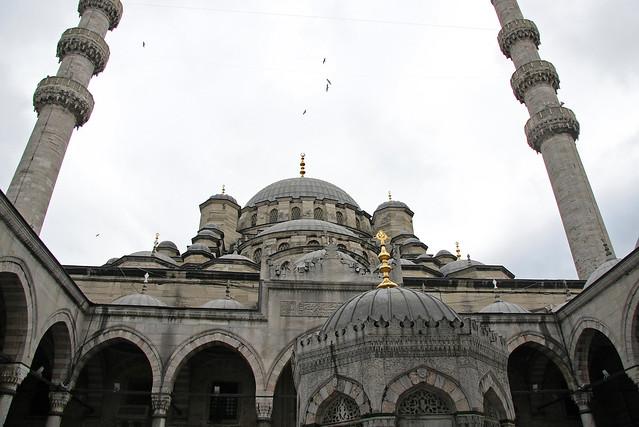 Yeni Cami, Istanbul, Turkey イスタンブール、イェニ・モスク外観