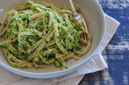 raw broccoli pesto pasta