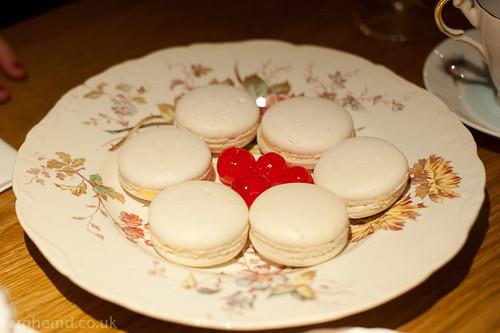Amaretto Sour Macaron