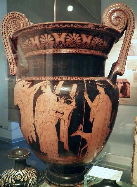 Attic black-figured Kratera depicting Apollo Citharoedus and Artemis, Civico museo archeologico di Milano