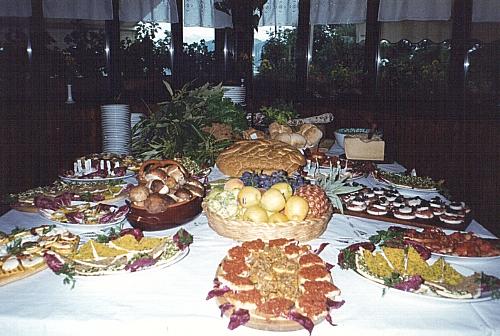 Buffet e specialità del ristorante La Staffa