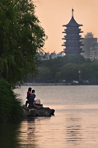 china sunset lake love pagoda south chinese lovers romantic lovebirds zhejiang 浙江 jiaxing 南湖 嘉兴