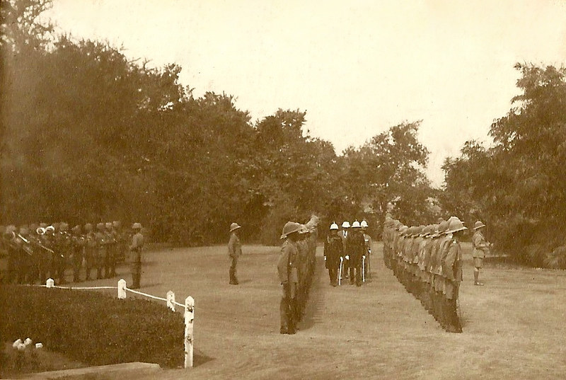 H.E. inspects the Guard of Honour