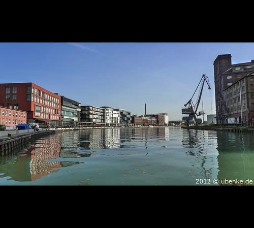 _waterfront by l--o-o--kin thru