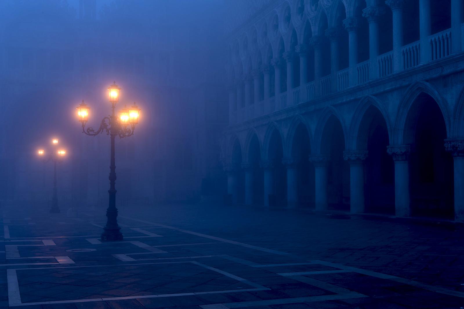 San Marco im Fruhnebel by Carsten Heyer