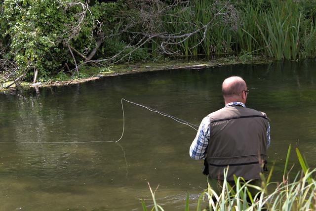 Pescando en el Itchen Navigation Water Trail