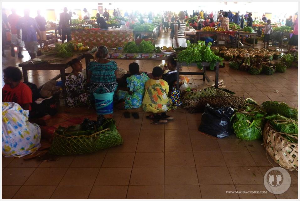 2012 08 01_Magda i Tomek Dookola Swiata_Vanuatu-rynek_P1050251