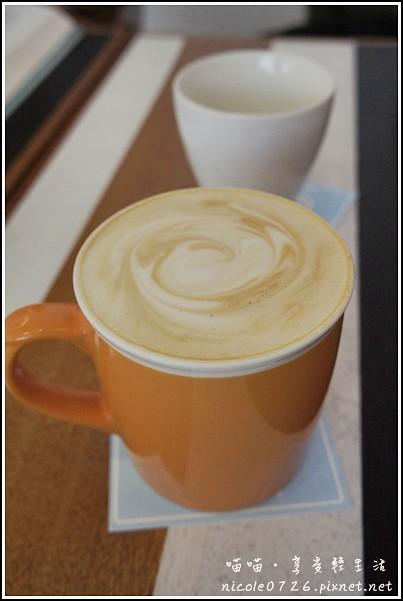 小梗甜點咖啡