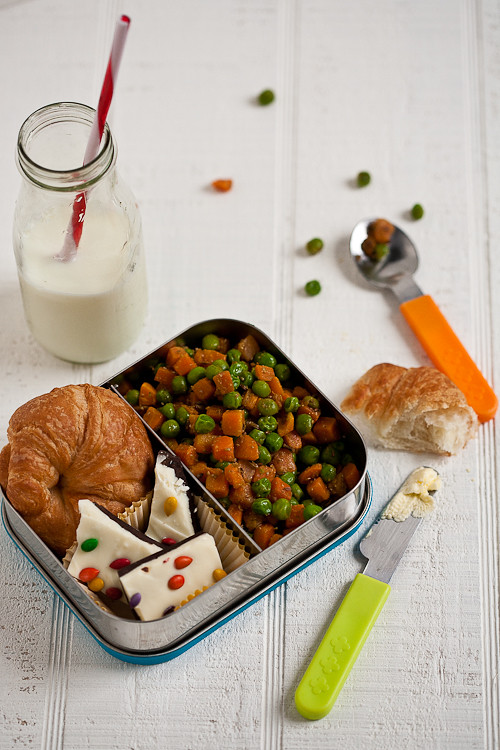 Quick Stir Fried Peas And Carrots- In Her Lunchbox ~ IndianSimmer ...