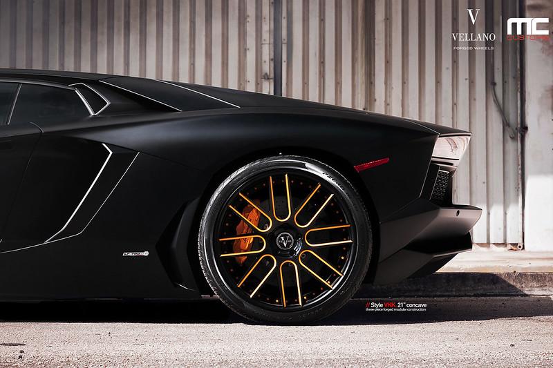 Lamborghini_Aventador_LP700_vkkC_09
