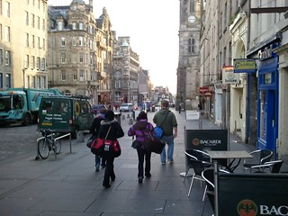 Alex, Sam, Kate, and Jon walking down the Royal Mile towards our second hostel