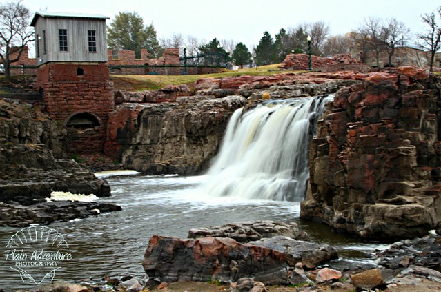 Falls Park: The Natural Beauty of the Big Sioux River