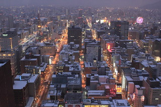 Downtown Sapporo in winter (getting dark) / 冬の札幌中心部