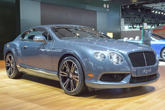 bentley continental supersports(0.0), bentley continental gt(0.0), automobile(1.0), automotive exterior(1.0), wheel(1.0), vehicle(1.0), performance car(1.0), automotive design(1.0), bentley continental gtc(1.0), bentley continental flying spur(1.0), rim(1.0), auto show(1.0), bumper(1.0), personal luxury car(1.0), land vehicle(1.0), luxury vehicle(1.0), bentley(1.0), coupã©(1.0), convertible(1.0),