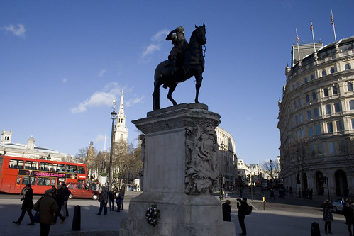 Statue of King Charles I with the wreath