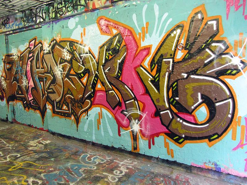 Graffiti tunnel, I