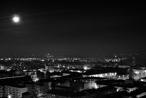 city italy panorama moon night landscape lights town nikon italia cityscape nightshot tripod luna piemonte luci piedmont notte sanmaurizio città notturno cavalletto pinerolo nikkor1855 treppiedi project52 d3100