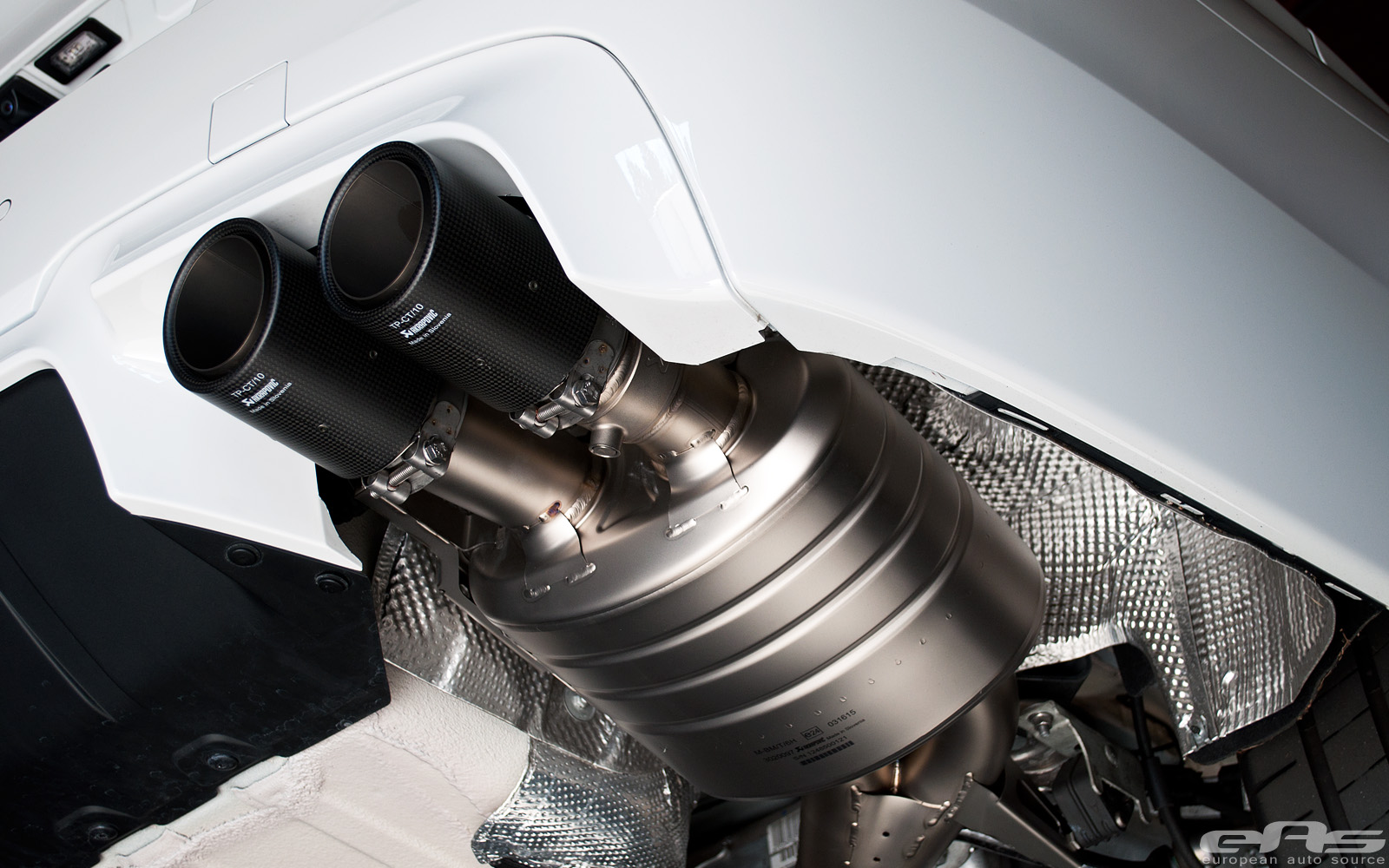 Akrapovic Muffler by eas