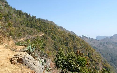 nepal mountains track himalayas bandipur theindiatree trekkinghills