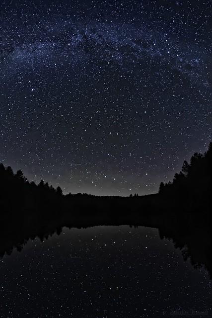 Milky Way on lake - Voie lactée sur lac