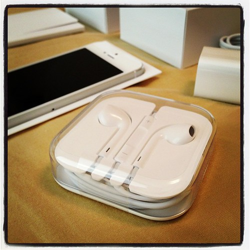 #iphone5, #iphone, #unboxing, #headphones, #takenwithiphone