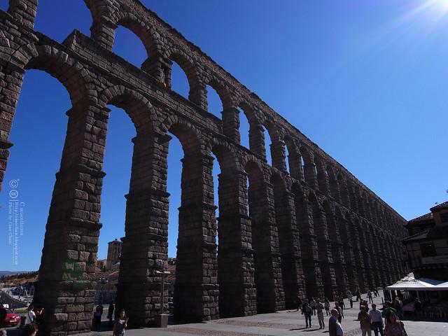 Hola Segovia~ 賽哥維亞。第一次看到建築奇蹟「羅馬水道橋」 R1044002