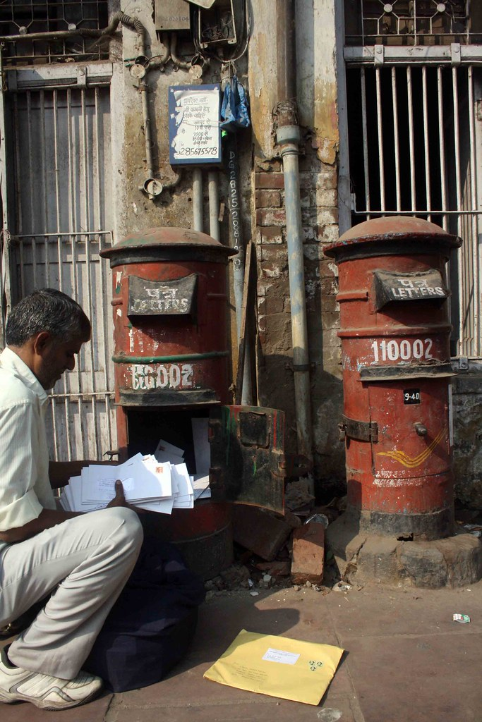photo essay postman at work daryaganj the delhi walla photo essay post man at work daryaganj