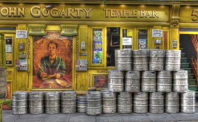Temple Bar (Dublin, Ireland) - Flickr CC psyberartist