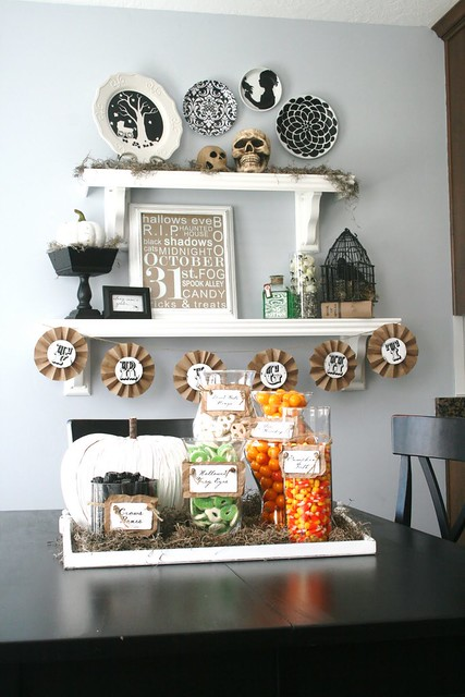 Halloween_Decorating_081