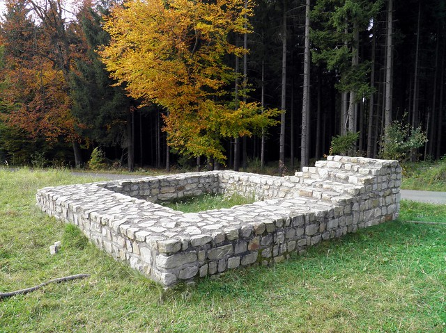 Reconstructed foundations of the Limes watchtower WP 1/71 near Hillscheid