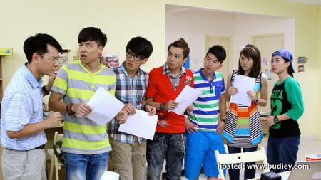 L-R Leslie Chai, Thomas Kok, Sam Chin Neng, Ernest Chong, Jack Yap, Pauline Tan, Emily Chan