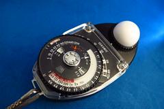 hand(0.0), watch(0.0), tachometer(0.0), compass(1.0), tool(1.0),
