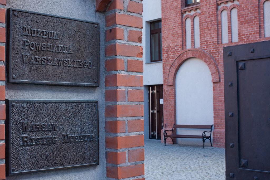 Warsaw Rising Museum - Musée du soulèvement de Varsovie - Muzeum Powstania Warszawskiego