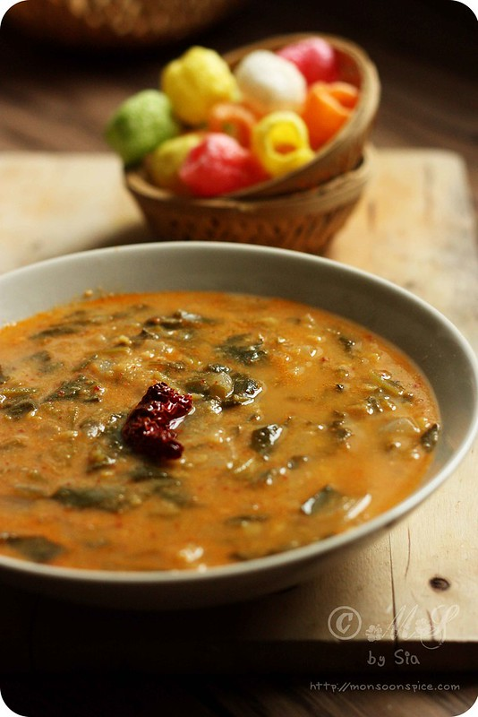 ... Palak/Spinach Ambat Recipe | Konkani Style Spinach in Coconut Gravy