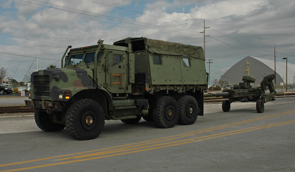 Marine Corps Amk23 Cargo Truck With M777a2 Howitzer